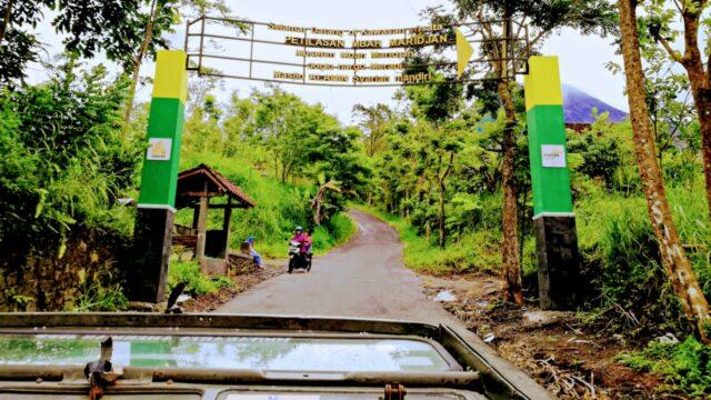 entrance to kinahrejo village