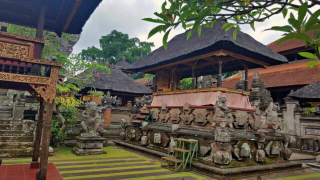 semanggen ubud royal palace
