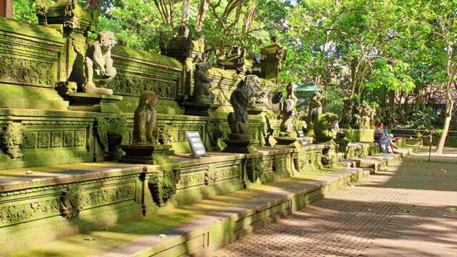 ubud monkey forest hindu statues