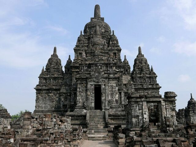Sewu main temple