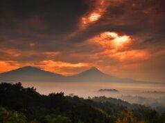 Matahari terbit di Punthuk Setumbu