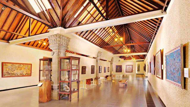paintings exhibit in museum puri lukisan