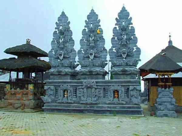 New Shrine in Ulun Danu Batur