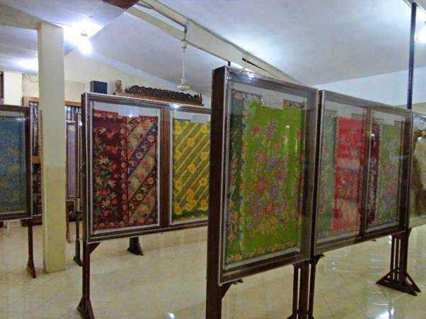 koleksi museum batik