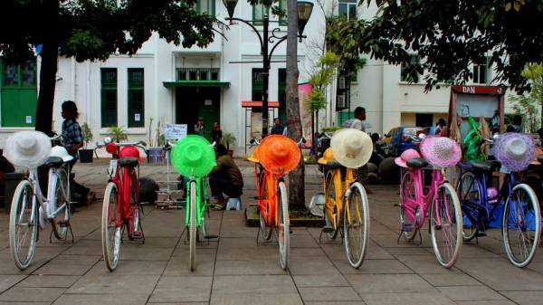 Bike Rent To Explore Every Corner in Jakarta Old Town