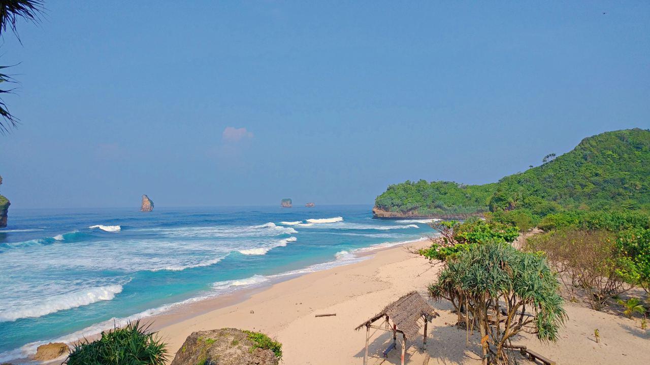 Goa Cina Beach Malang Activities Entrance Fee Idetrips