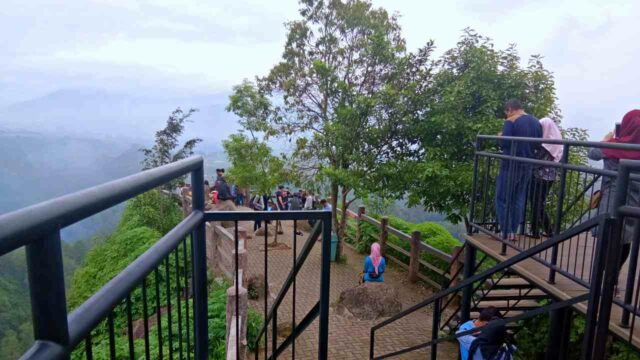 Keraton Cliff Observation Deck