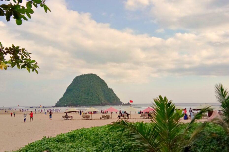 Red island beach banyuwangi