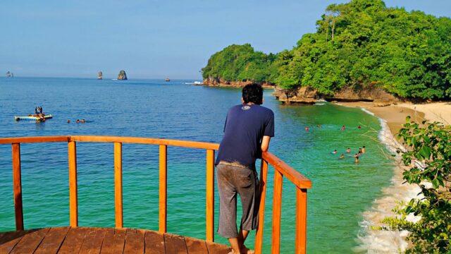 Observation deck pantai tiga warna