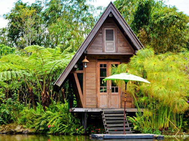 Restoran purbasari Dusun Bambu