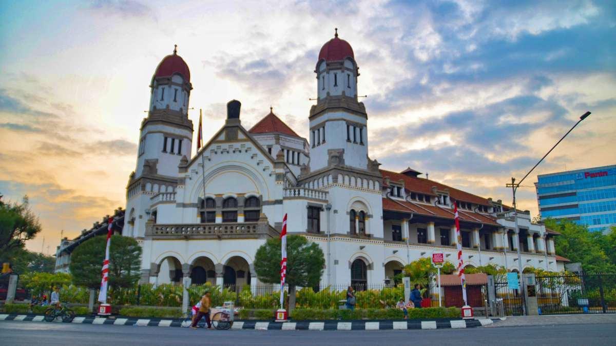 Lawang Sewu Building & Museum Attraction, Entrance Fee - IdeTrips