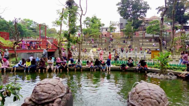 fish therapy in cikapundung