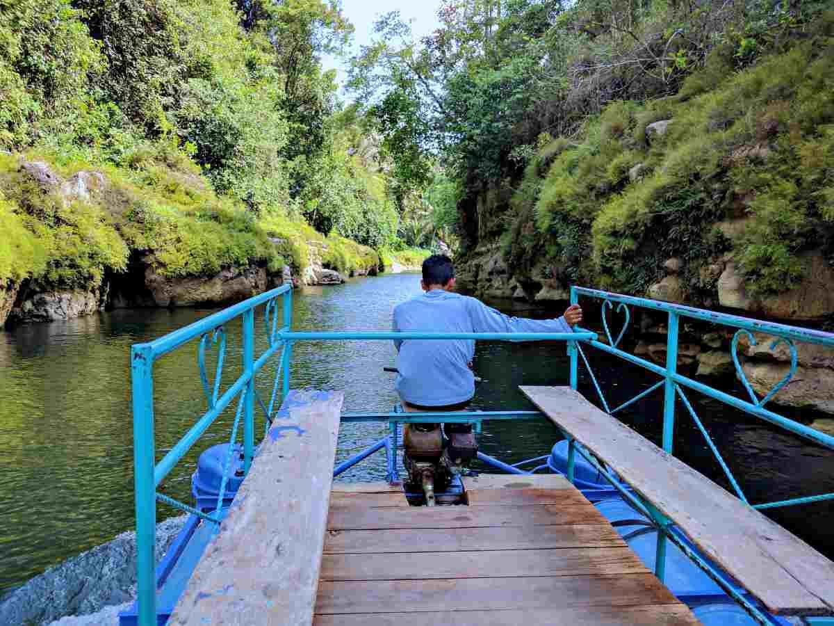 cruising to get to sri gethuk waterfall