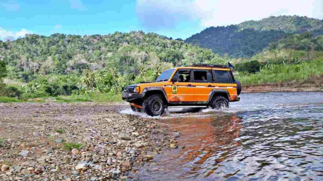 Jeep rent in meru betiri national park