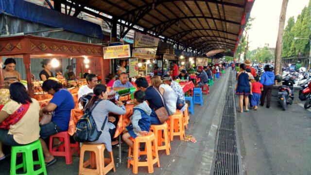 Cheap food in pasar senggol gianyar