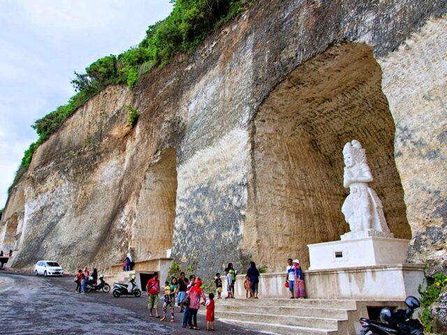 Pandawa Statue