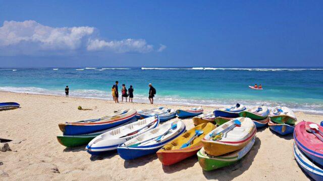pandawa beach 3 640x360 - Tempat Rekreasi Favorit Wisatawan Indonesia Di Bali