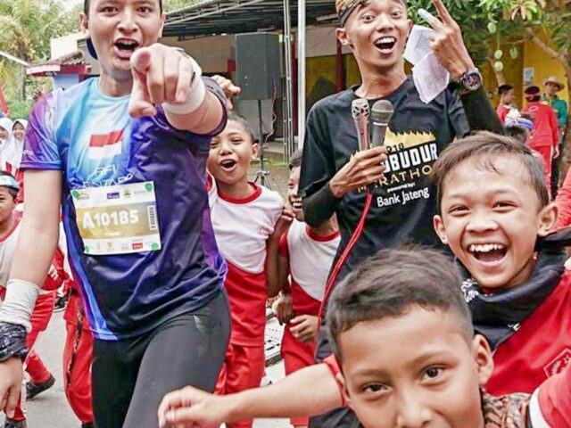 Children at Borobudur Marathon