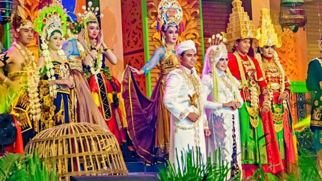 Majapahit international travel fair costume show