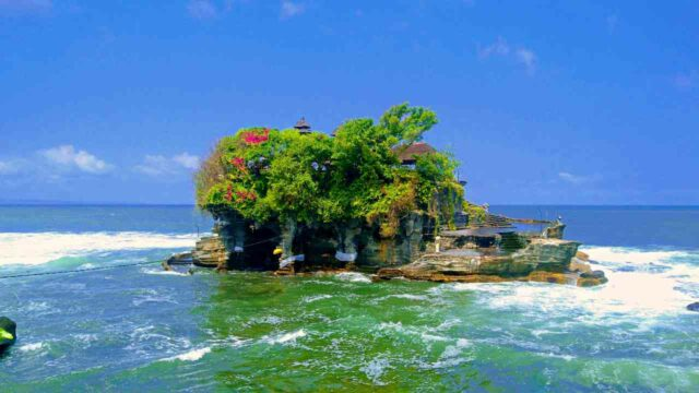 tanah lot temple inaccessible