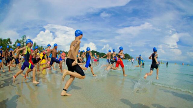 youth swimming race