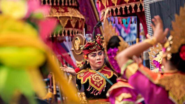 costume carnival buleleng festival
