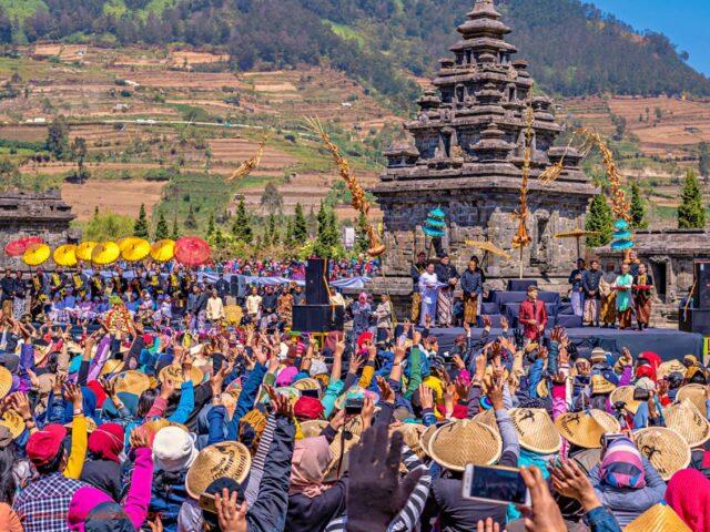 festiveness dieng culture festival