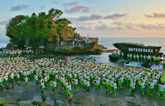 tanah lot arts festival last year