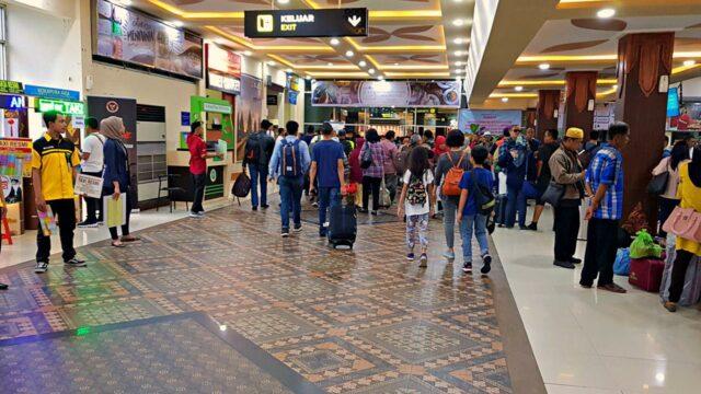 passenger arriving at yogyakarta airport