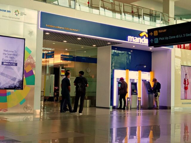 Money Exchange Terminal 3 Jakarta Airport