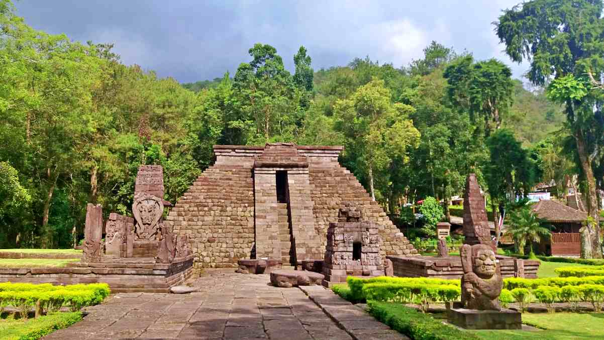 Candi Sukuh Attraction & Entrance Fee - IdeTrips