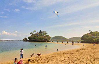 Balekambang beach white sand