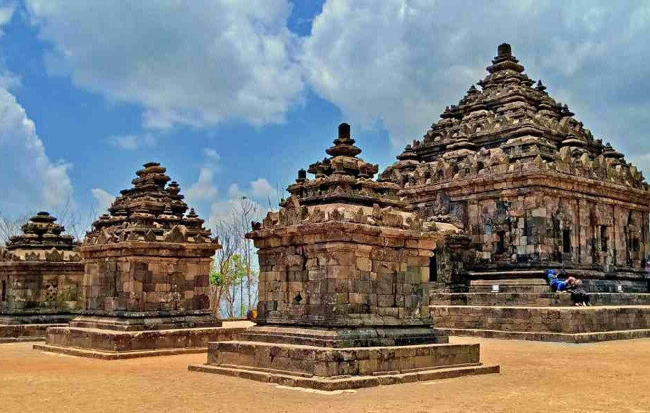 the upper side of candi ijo