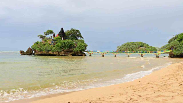 Balekambang Beach