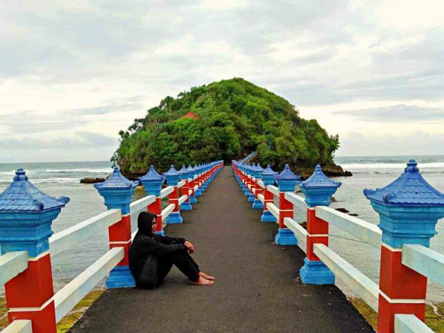 Wisanggeni Island