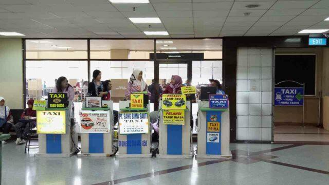 taxi stall surabaya airport