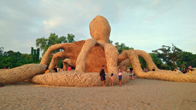 Berawa Beach Octopus Giant Crafting