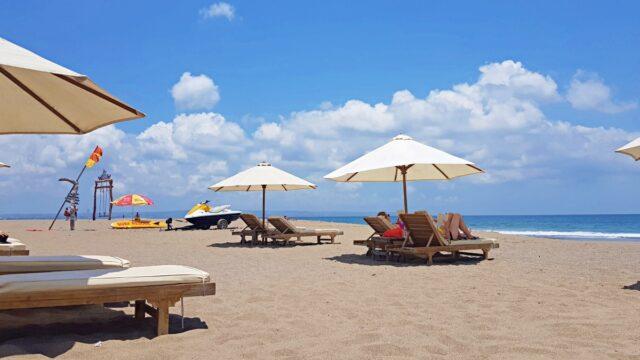 fewer beach chair for rent