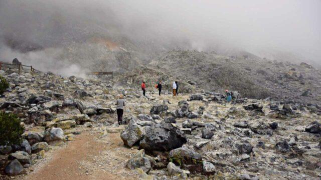 dompas crater tangkuban parahu