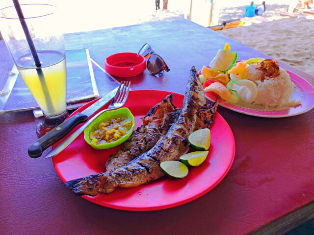 Grilled Fish With Garlic Sauce