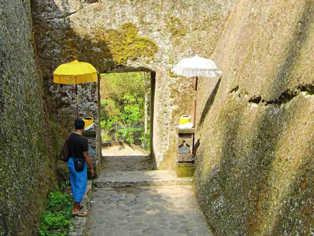 path to gunung kawi temple