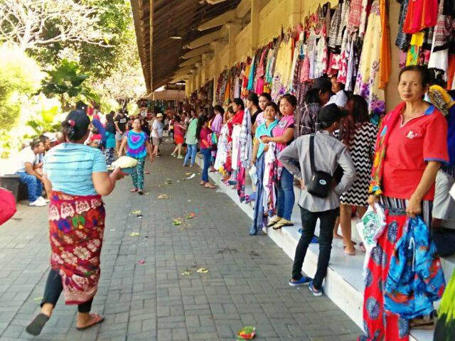 cloth stall sukawati art market