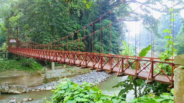 the famous suspension bridge