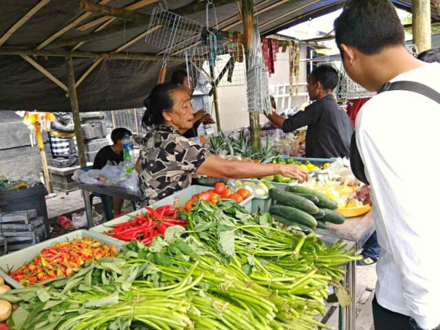 vegetable and spice in jimbaran fish market