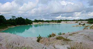 kaolin lake belitung