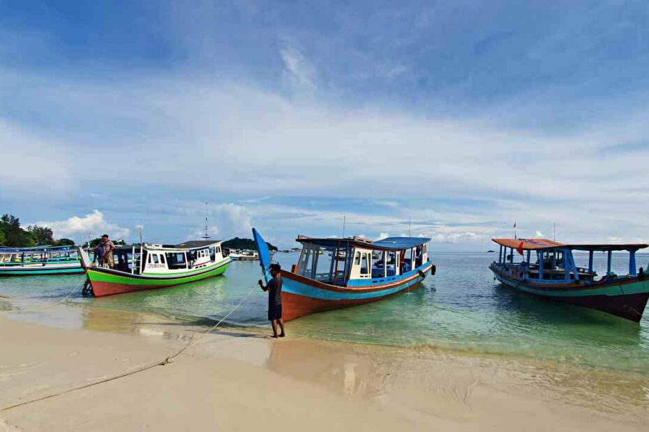 tanjung kelayang beach