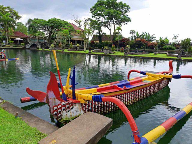 boat ride tirtagangga palace