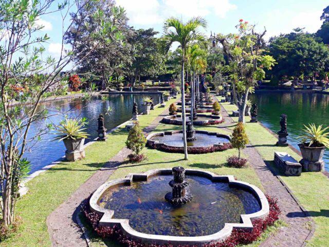 tirta gangga palace fountain