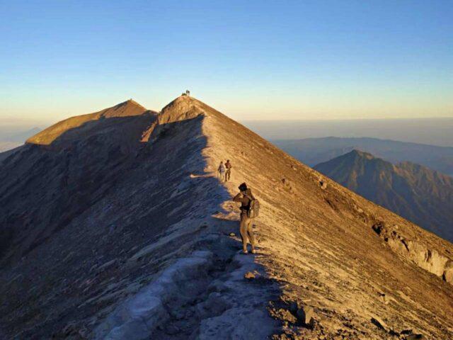 mount agung summit