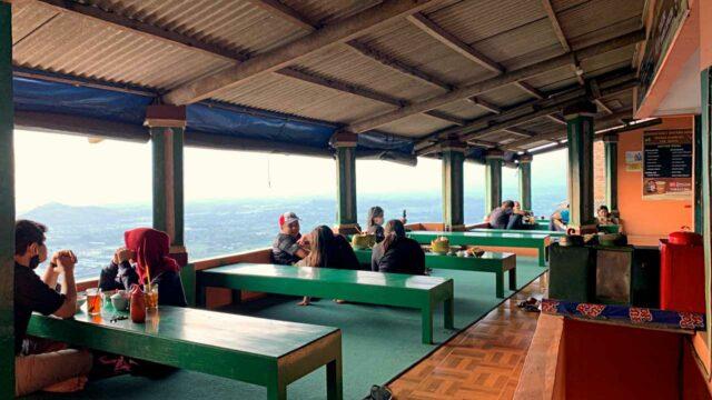 lesehan restaurant at bukit bintang